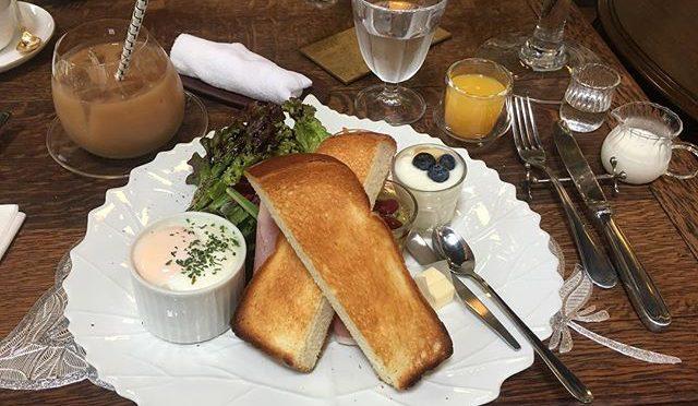 友人たちと西陣のFocalpoint でモーニング。朝ごはん食べるなんていつ以来だろう?やっぱ、早起きは三文の得、、、なんちゃって(笑) (from Instagram)
