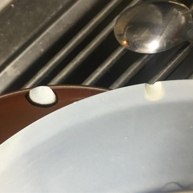 人に食器を洗ってもらったらチップを払うことになる。この場合はtipじゃなくchipだけどね。 (from Instagram)