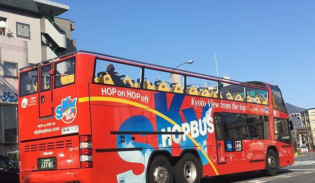 観光客バスも空気運んでる。 (from Instagram)